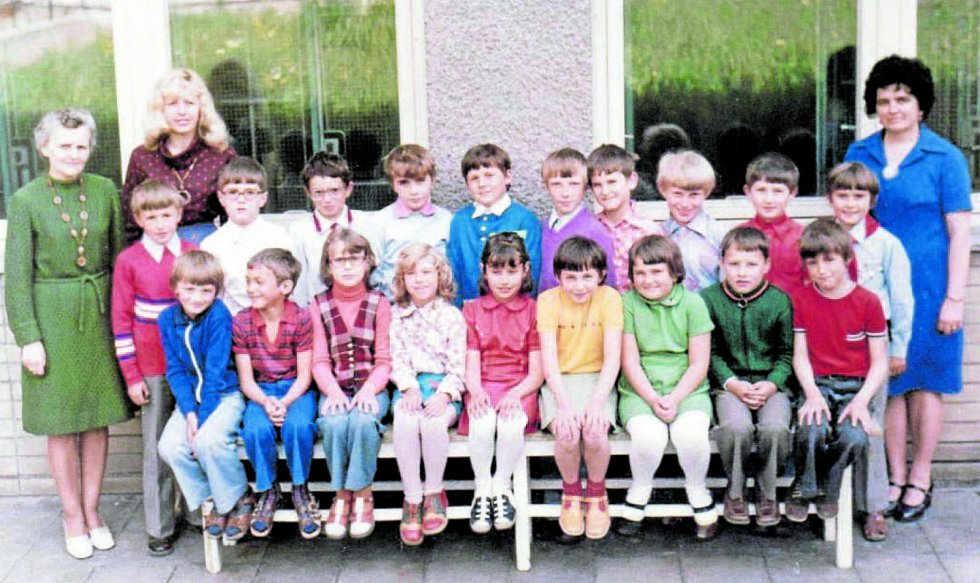 Základní škola Jasenná, 1977/1978. Společný snímek dětí ze základní školy v Jasenné ve zmíněném školním roce.