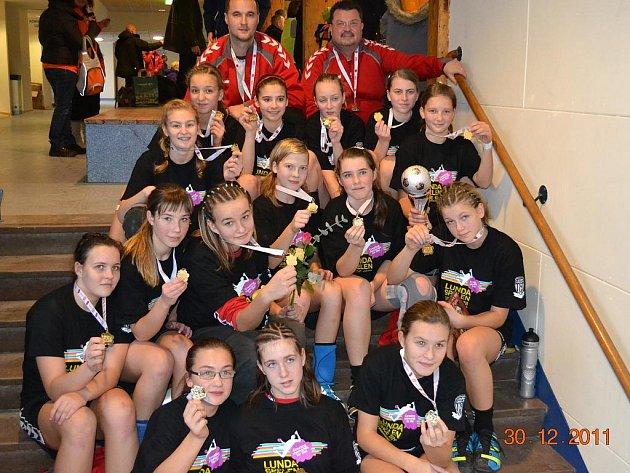 Mladé házenkářky Zlína opět vyhrály turnaj ve Švédsku