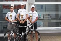 Cyklisté KCK Zlín ze závodu Slezského poháru Velká cena Force. Na snímku zleva: Lukáš Matula, Ivo Odvárka, Josef Slezák