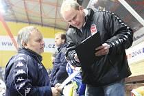 V AKCI. Angažování trenéra brankářů Richarda Hrazdíry (vpravo) se Zlínu bohatě vyplácí.