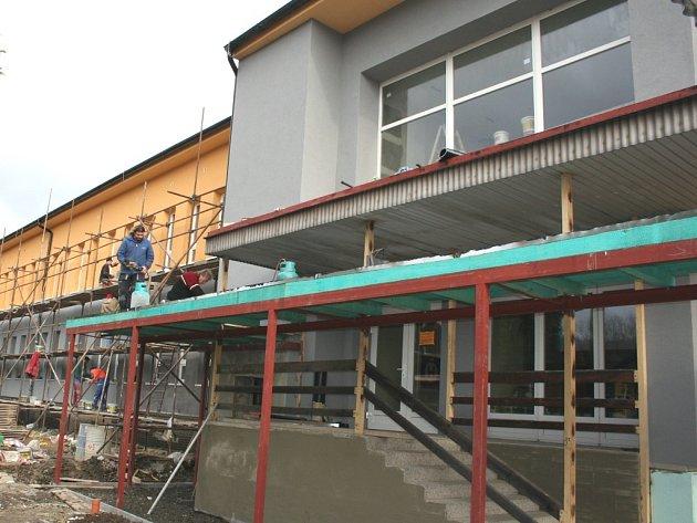 Oprava zdravotního střediska v Brumově-Bylnici.