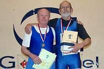 Zlínská výprava vybojovala v Teplicích na mistrovství ČR ve vzpírání jednotlivců v kategorii Masters hned několik vavřínů. Josef Vybíral dosáhl na titul a Jan Kohutič bral stříbro.