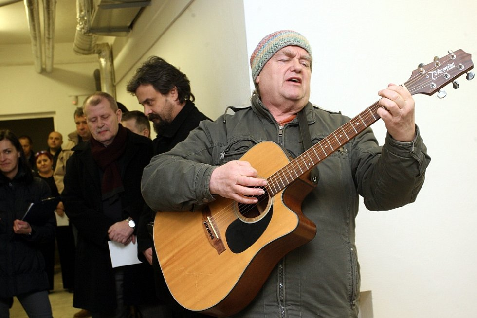 Slavnostní otevření potravinové banky na městském úřadě v Otrokovicích.