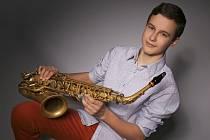 Několik ocenění z významných soutěží již má doma třináctiletý hráč na saxofon Jiří Kovář z Jasenné.