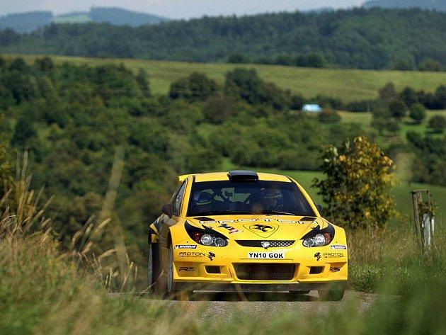 Závodníci stáje Proton Motorsports v okolí Vizovic testovali v pondělí 22. srpna své vozy před nadcházejícím 41. ročníkem Barum Rally.