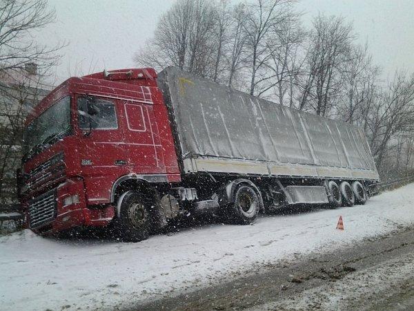 Dopravní nehoda kamionu vLidečku.