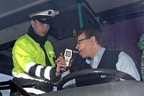 Šoféři linkových autobusů prošli kontrolami na alkohol na jedničku. Ilustrační foto.