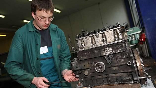Ze soutěže Automechanik Junior 2008