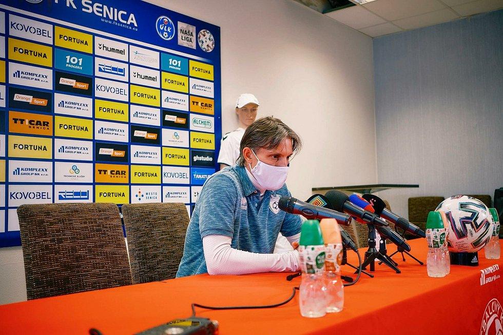 Trenér Jan Kameník dovedl fotbalisty Pohronie v první slovenské lize k záchraně.