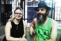 Aktuální foto Guru Járy, GJ s Barborou Pláškovou a GJ s žačkami při výuce