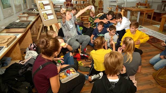 Koncem září jela třída 8. B Základní školy Fryšták na exkurzi na Odborné učiliště nábytkářské v Bystřici pod Hostýnem.