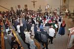 Slavnostní mše svatá. Po ní následovalo svěcení pramenů luhačovickým farářem Hubertem Wojcikem.  foto: Renáta Večerková