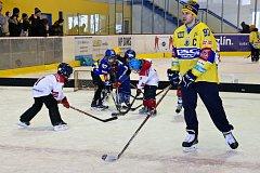Hokej děti táhne