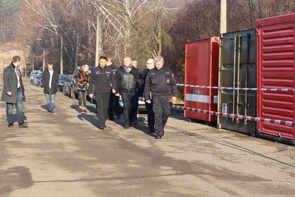 Poslední kamion s municí opustil areál ve Vrběticích