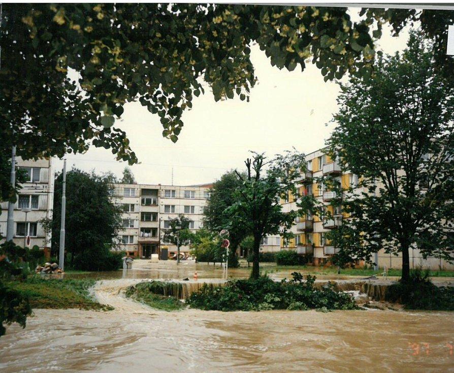 Voda zaplavila také Bartošovu čtvrť ve Zlíně.