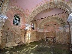 Štípský farář František Sedláček by chtěl letos zrekonstruovat malý kostelík, kteří leží jenom pár desítek metrů od velkého poutního chrámu ve Štípě. Ten v různých podobách na svém místě stojí už od 13. století, v současnosti však chátrá.