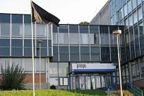 Zlínská společnost Graspo vyvěsila po tragické události černou vlajku
