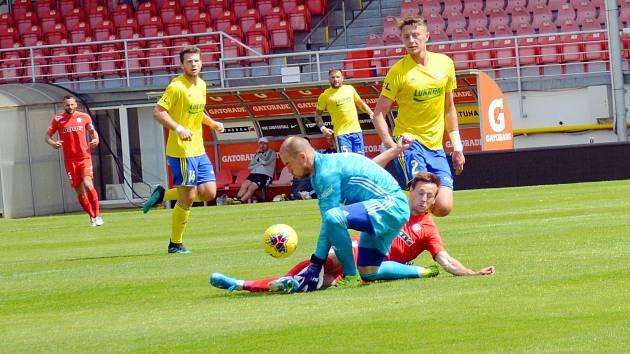 Fotbalisté Zlína (ve žlutých dresech) ve středečním přípravném zápase deklasovali druholigové Brno 5:0