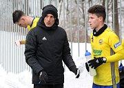 Fotbalisté Zlína (ve žlutých dresech) v úvodním přípravném zápase letošního roku porazili Zlaté Moravce 2:0