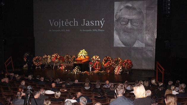 Poslední rozloučení s Vojtěchem Jasným v Městském divadle ve Zlíně