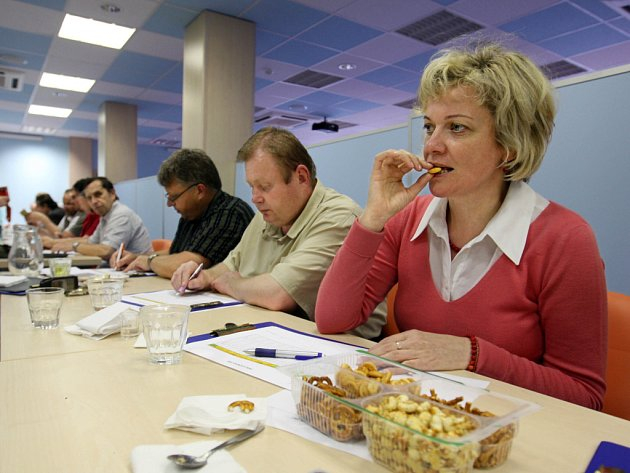 Komise soutěže kvality potravinářských výrobků ze Zlínského kraje – Perla Zlínska. Ilustrační foto