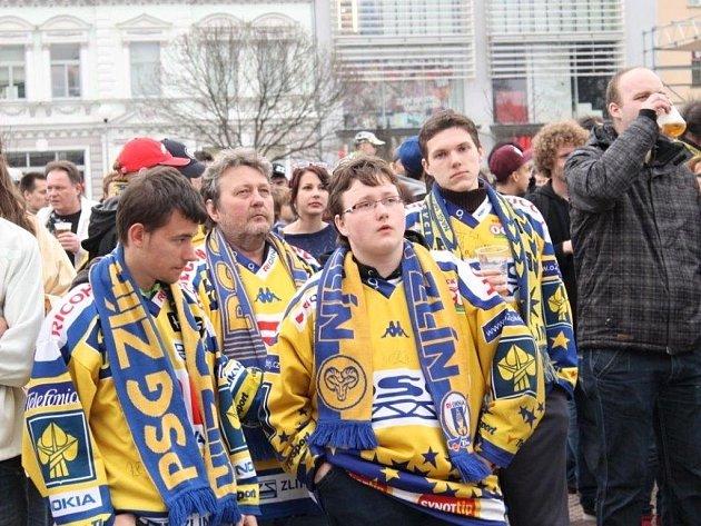 Fanoušci beranů se sešli na zlínském náměstí Míru, aby fandili beranům