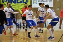 Superligoví florbalisté Otrokovic (v bílém) v sobotu v rámci 19. kola porazili rivala Bohemians Praha 8:4.