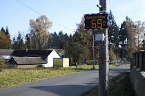 Nově instalovaný radar ve Zlíně na Mladcové řidiče příliš nebrzdí. Město si ale měřič pochvaluje. Souběžně s Mladcovou jej instalovalo také v Prštném, na Kudlově a dalších místních částech.