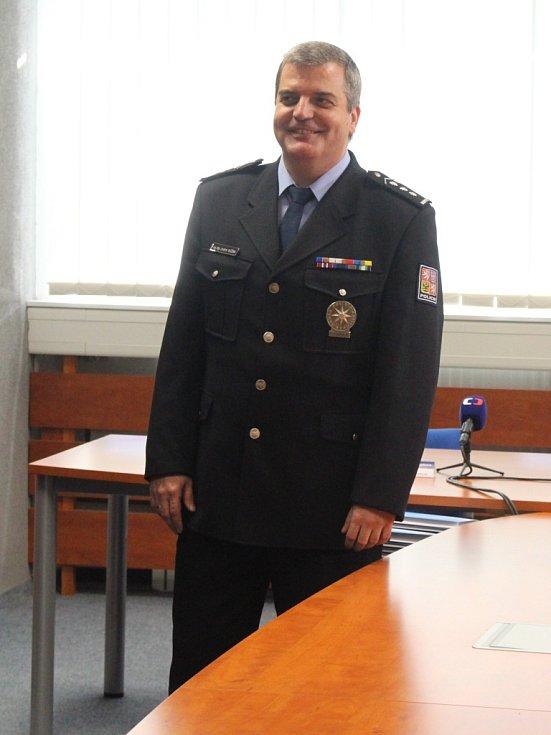 Policejní prezident ocenil policisty, kteří hlídali Vrbětice