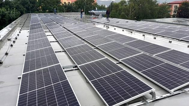 Fotovoltaika pro depozitáře v Otrokovicích.