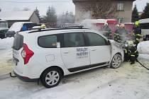 Požár auta ve Fryštáku