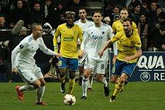 Fotbalisté Zlína (v bílých dresech). Ilustrační foto