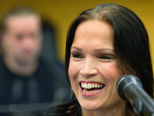 Finská metalová zpěvačka Tarja Turunen s kapelou zkoušela ve Zlíně ve středu 11. ledna poprvé před začátkem světového turné, které odstartuje právě v městě obuvi v pátek 13. ledna.