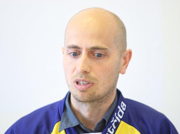 Spoluzakladatel obchodního internetového portálu Václav Liška oficiálně představil svou firmu, která nyní minimálně rok bude sponzorovat zlínský hokej.