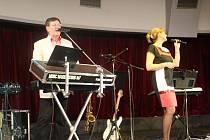 V luhačovickém Městském domě kultury Elektra se v sobotu 17. listopadu 2012 konala Šláger paráda. Zahrála slovenská kapela Progres a DuoSonet. Hodinu a půl zábavu natáčel slovenská televize Šlágr TV.