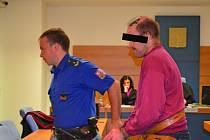 Michal R. byl za útok na policistu zatím nepravomocně odsouzen ke dvěma a půl letům vězení.