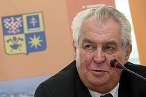 Návštěva prezidenta Miloše Zemana ve Zlínském kraji. Ilustrační foto.