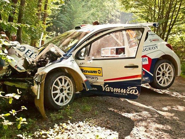 Nehoda otrokovické posádky Peugeotu 207 S2000 Pavel Valoušek - Zdeněk Hrůza.