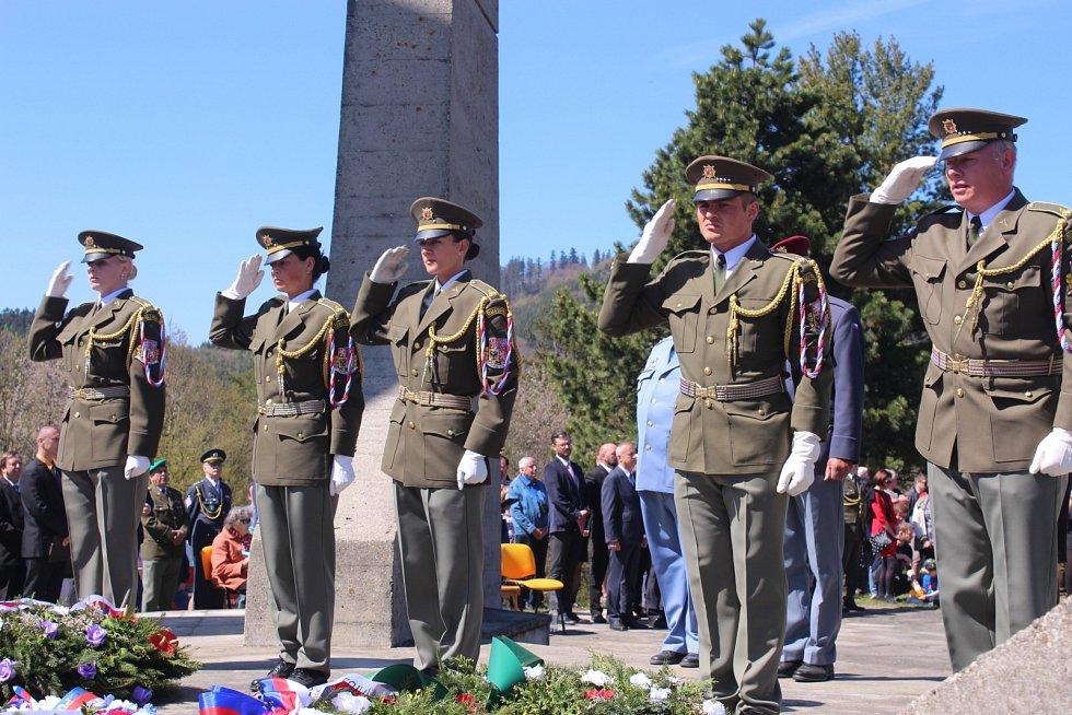 Pietní akt na Ploštině v roce 2019.