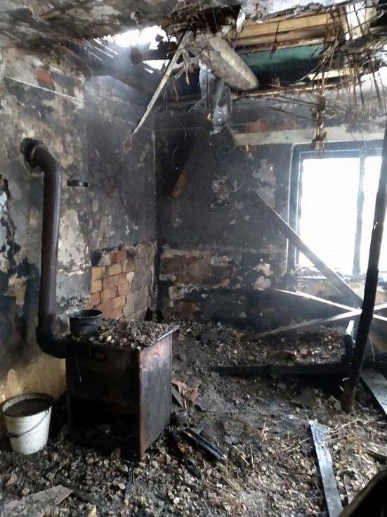 Požár rodinného domu v Nedašově Lhotě