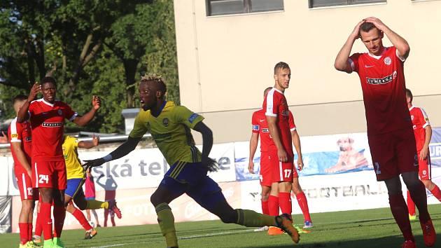 FC  FASTAV Zlín   - FC Zbrojovka Brno. Mosses Ubong Ekpai