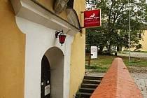 Prostory Muzea jihovýchodní Moravy pronajal jeho ředitel Ivan Plánka pánskému klubu.