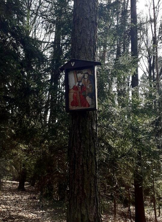 Křížové cesty ve Zlínském kraji: Velíková.