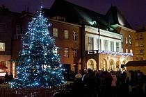Vánoční strom na náměstí Míru ve Zlíně. Ilustrační foto