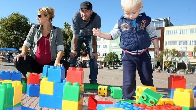 Akce Přidejte se k nám Živé náměstí na náměstí Míru ve Zlíně.