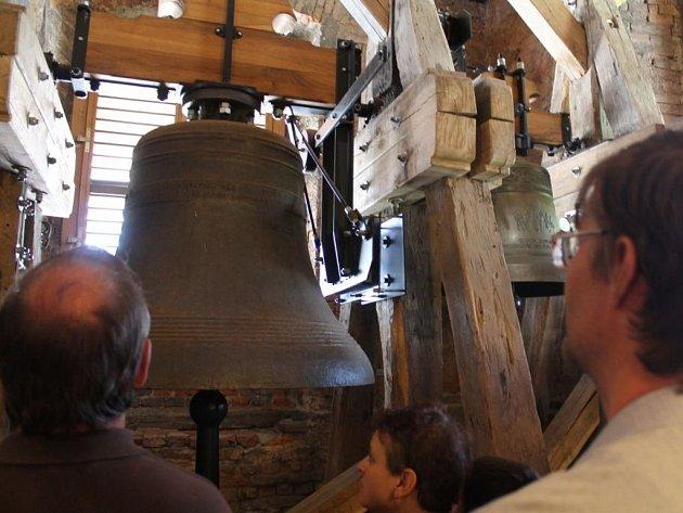 Lidé měli v neděli 6. května možnost vidět zlínský kostel sv. Filipa a Jakuba ze zcela jiného pohledu, než z jakého ho někteří doposud znali. Společně s průvodcem se totiž vydali až do samotné věže.