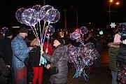 Novoroční ohňostroj poprvé ozářil Gahurův prospekt ve Zlíně.