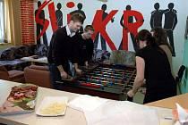 Otrokovické nízkoprahové zařízení Šlikr mělo 7. dubna 2010 den otevřených dveří. představilo svou činnost, mezi kterou patří streetwork a drogová prevence.