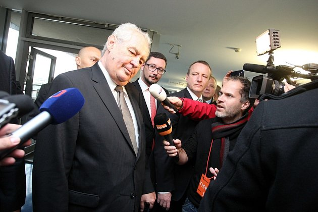 Návštěva prezidenta Miloše Zemana ve Zlínském kraji. Krajský úřad ve Zlíně.