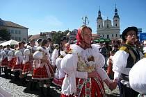 V průvodu z Vinohradské ulice se sešlo celkem 4153 korovaných.